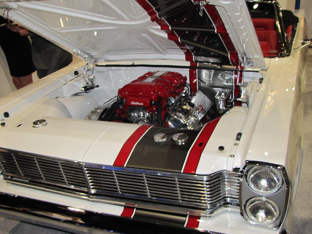 Ford-Galaxy-Engine.JPG